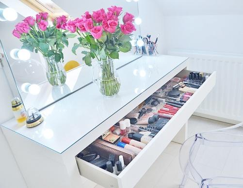 best-makeup-vanity1.jpg